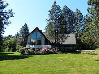 26 Mountain View Dr, Trout Lake, WA
