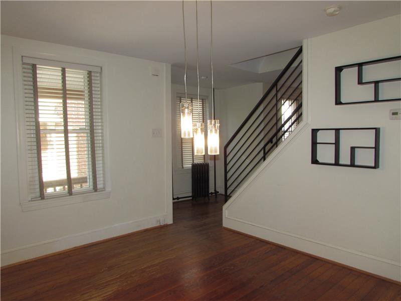 Rent 37 Thomas Avenue Dining Room