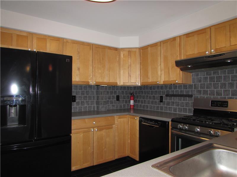 Rent 37 Thomas Avenue Modern Kitchen