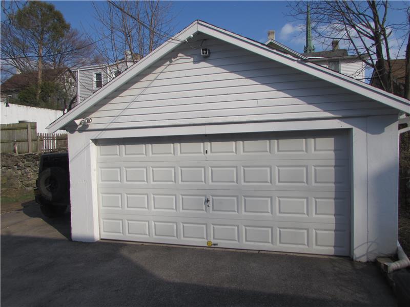 Rent 37 Thomas Avenue 2 Car Garage