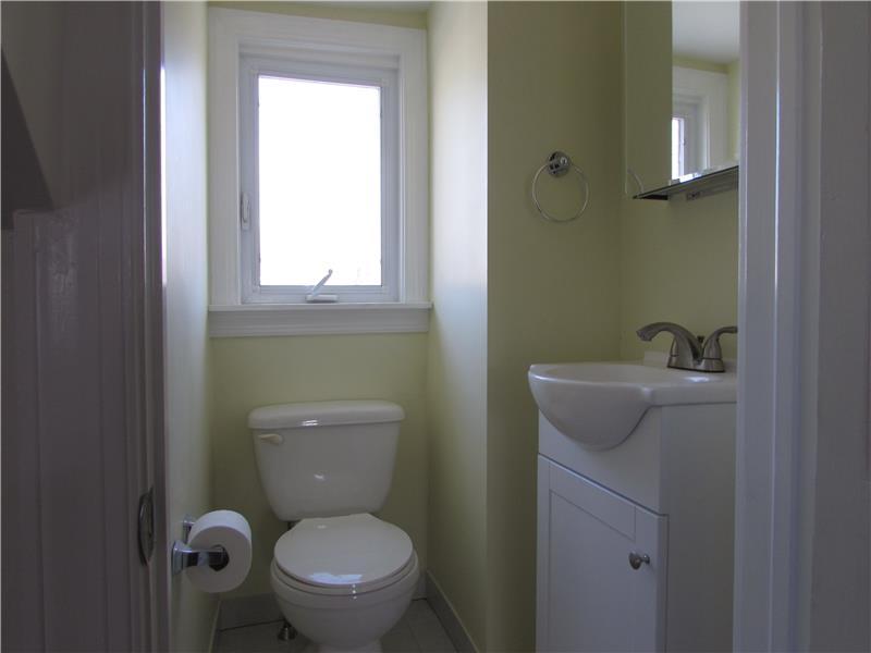 Rent 37 Thomas Avenue 3rd Floor Master Half Bath