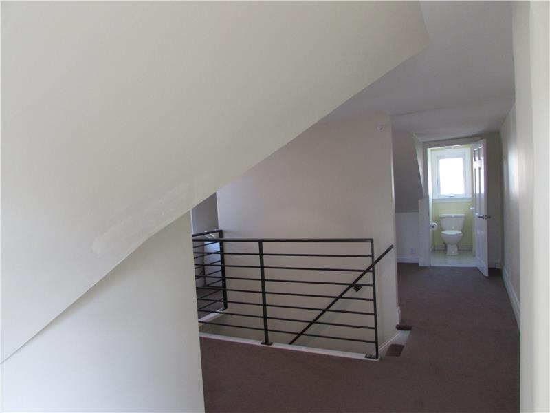 Rent 37 Thomas Avenue 3rd Floor Master Bedroom