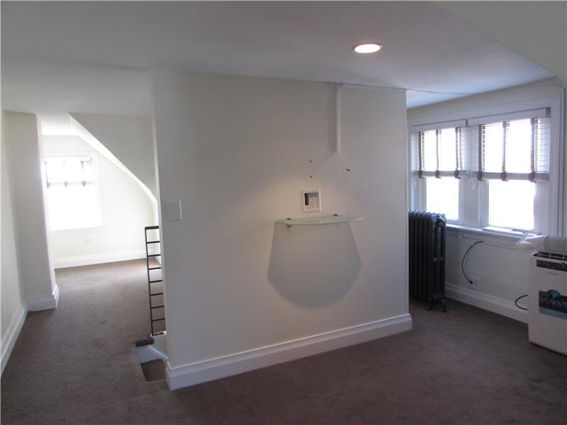 Rent 37 Thomas Avenue Third Floor Master