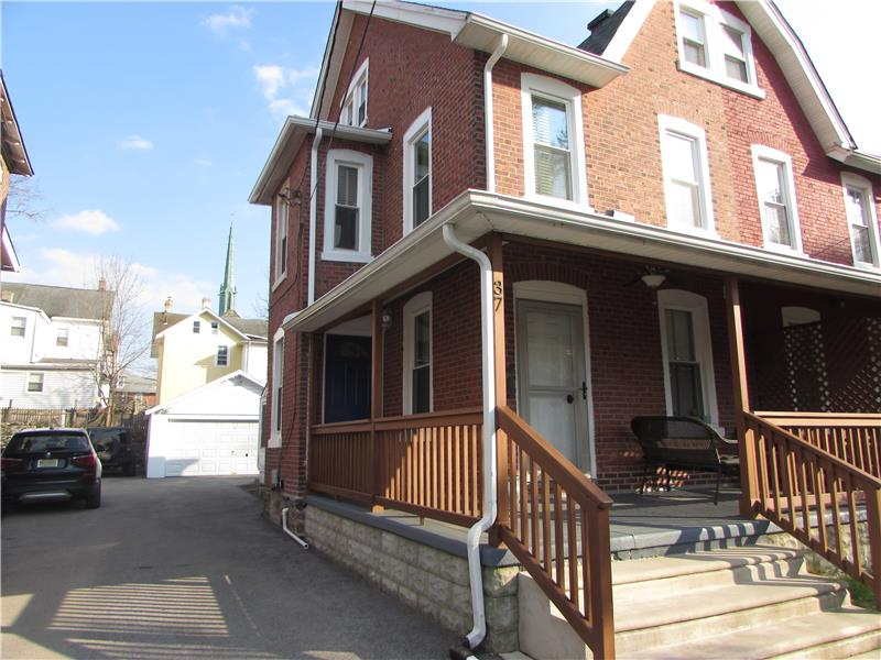 Rent 37 Thomas Avenue Exterior Front