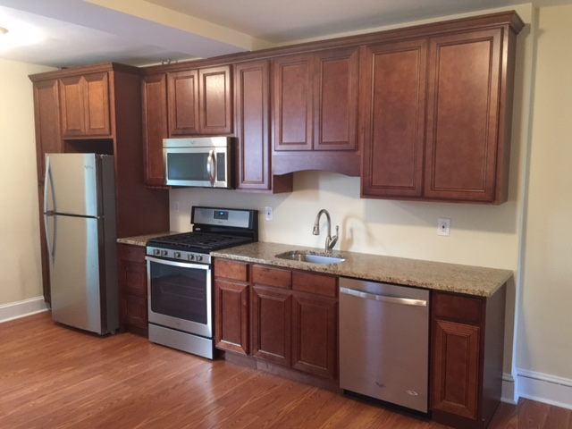 947 Sargent Avenue open concept kitchen