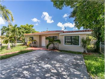 Residential Rental  in Hallandale, FL