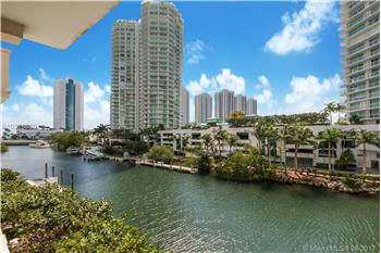 250 Sunny Isles Blvd TH-309, Miami, FL
