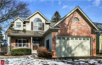 800 Farley Pl, Downers Grove, IL