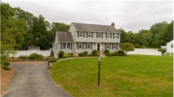 95 Sycamore Dr, Westwood, MA