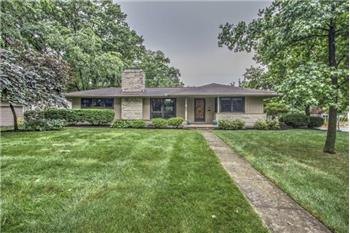 Primary listing photos for listing ID 445176