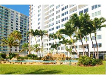 5005 Collins Ave 1423