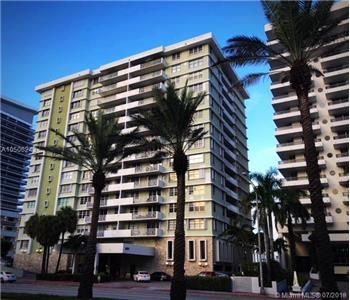 5825 COLLINS AVE 3K