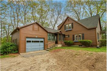 251 Leominster Road, Sterling, MA