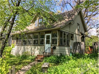 2216 Chamberlain, Madison, WI