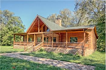 488 West Gum Log Road, Warne, NC