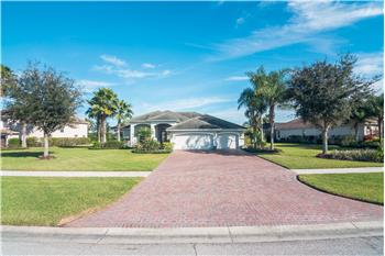635 Country Meadows Way, Bradenton, FL