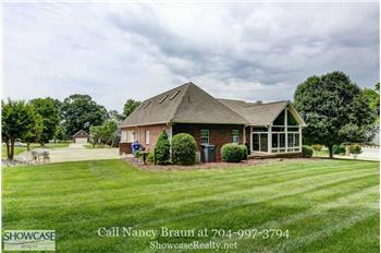 166 Canopy Oak Ln, Statesville, NC