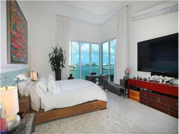 900 Brickell Key Blvd #400, MIami, FL
