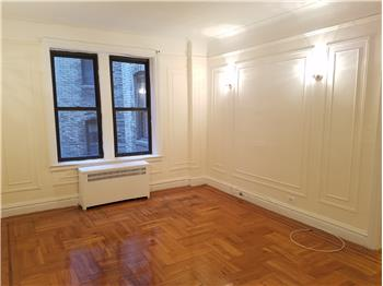 88 Thayer St 3D, Washington Heights, NY