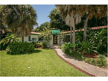 975 NE 94 St, Miami Shores, FL