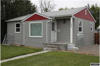 1229 Charles Ave, Worland, WY