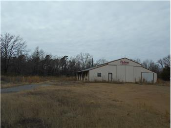 Industrial Shop on 5.56 Acres, Smithville, OK