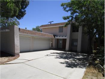 39092 Foxholm Drive, Palmdale, CA