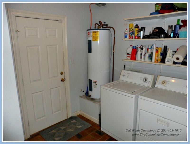 7436 Pinewood Dr, Theodore, AL 36582 Laundry Room