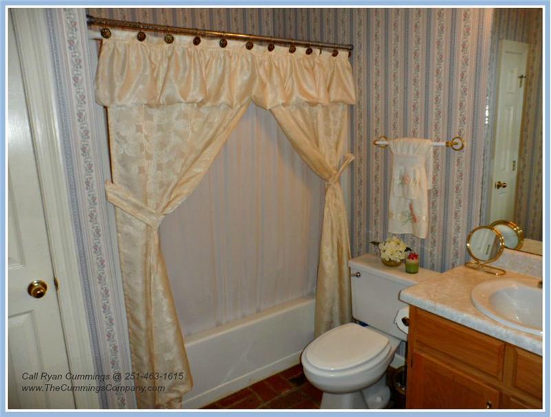 7436 Pinewood Dr, Theodore, AL 36582 Second Bathroom