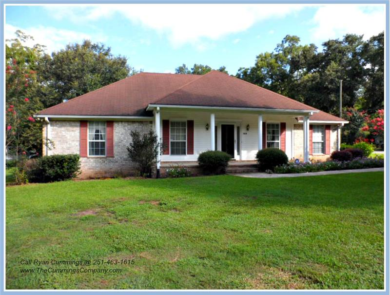 7436 Pinewood Dr, Theodore, AL 36582 For Sale with Separate Mother-in-law Suite