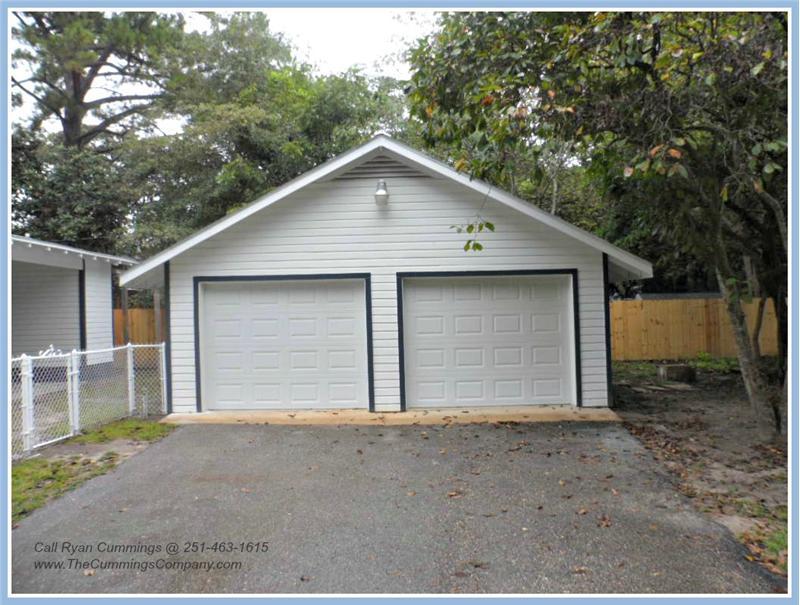 713 Magnolia Rd, Mobile, AL 36606 Garage