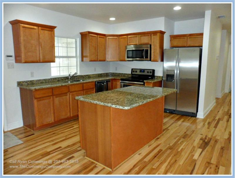 713 Magnolia Rd, Mobile, AL 36606 Kitchen
