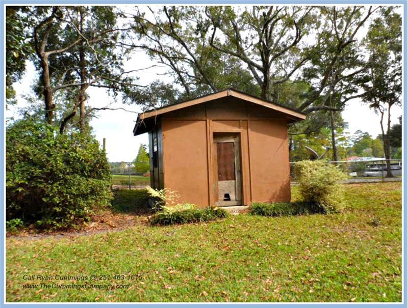4251 Blue Rd Theodore AL 36582 Storage Buliding