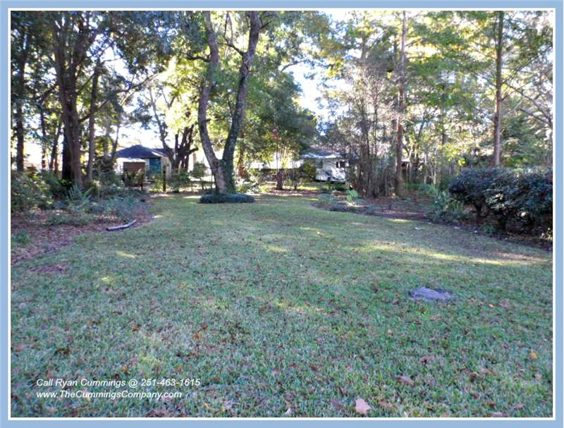 Backyard at 2563 Kossow St Park Place Mobile AL 36607