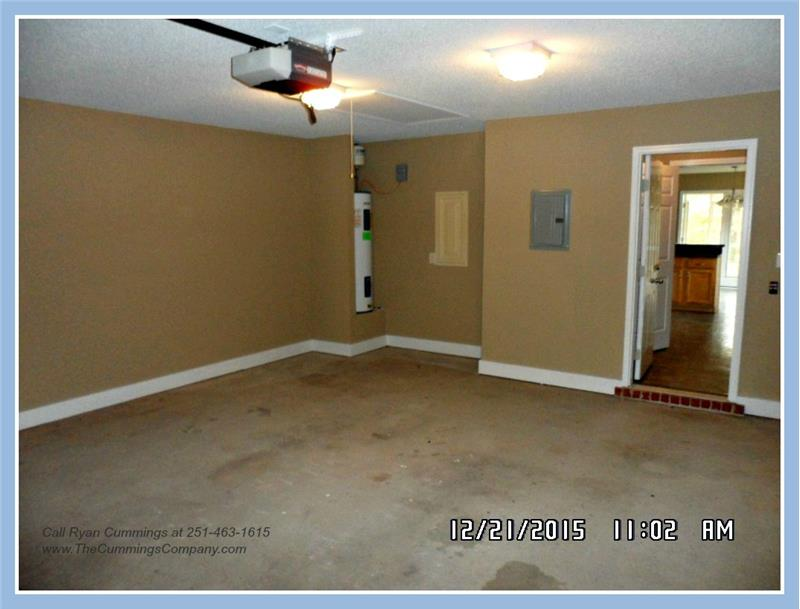 Garage at 9661 Misty Leaf Dr, Mobile, AL 36695