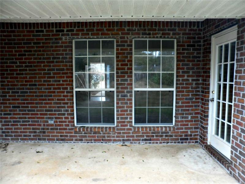 2626 Rosebud Dr, Mobile, AL 36695 Covered Porch