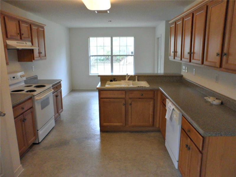 2626 Rosebud Dr, Mobile, AL 36695 Kitchen