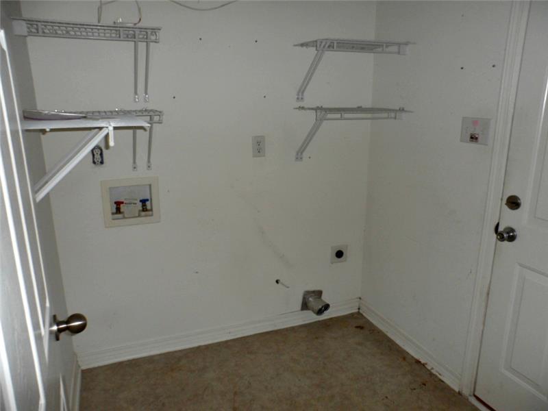 2626 Rosebud Dr, Mobile, AL 36695 Laundry Room