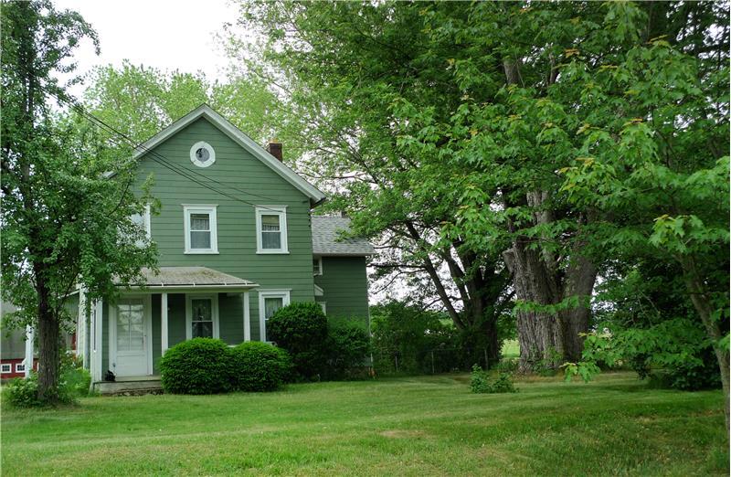 1890 Farmhouse on 10.36 acres