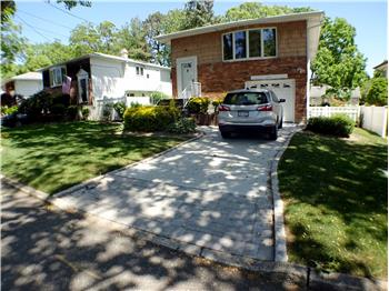 Primary listing photos for listing ID 569921