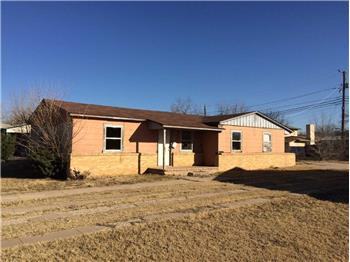 1516 Wood St., Big Spring, TX