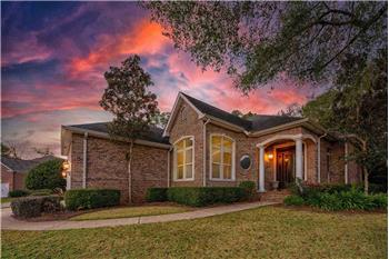 Primary listing photos for listing ID 583244