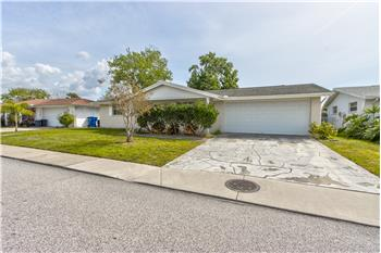 7000 Maplehurst Dr, Port Richey, FL