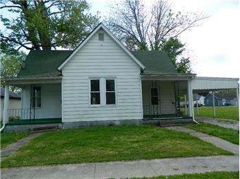 504 W King St, Fairfield, IL