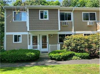 15 Candlelight Drive, Unit# 2-15, Danbury, CT