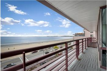 Calling all beach bums! Updated 1 Bed on Revere Beach!