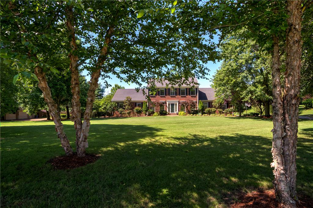 1811 Farmington Dr Franklin Tn 37069 Presented By Diane Wright Broker Listed By Benchmark